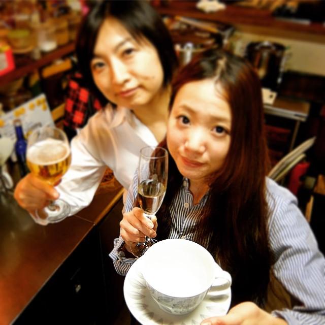 あー、日付変わって1月21日は当店ホールスタッフのコジコ、祝!お誕生日!…ということで、ワタクシドモオーナー夫婦からカップ&ソーサーをプレゼント!いい1年、ひとつひとついい年を重ねていって下さいね!おめでとう!(お)