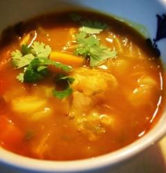 手羽元とたっぷり野菜のスパイススープ