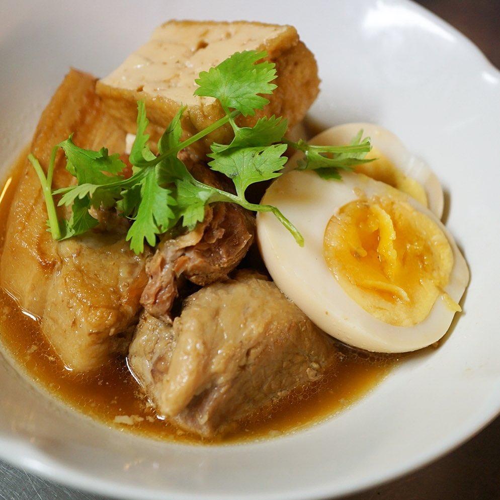 さてとベトナム祭りもひとまず最終日!?と、昨日アップしたベトナム風角煮はこんな感じでお出ししておりますよと、日曜の夜はしっかりお肉をたべに来てねー!(笑)(お)